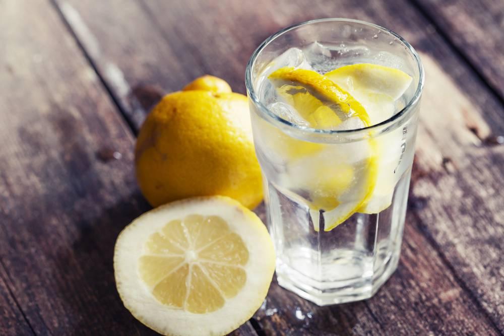 víz méregtelenítő citrommal)