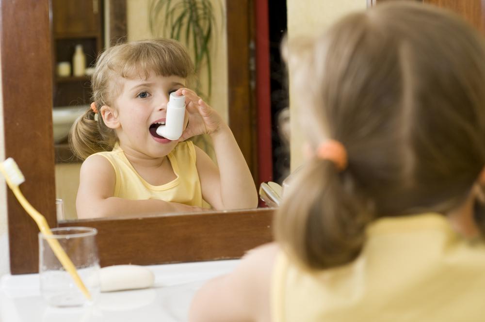 A hasmenés, hányás a gyerekeknél jellemzőbb covid-tünet lehet a köhögésnél | óra