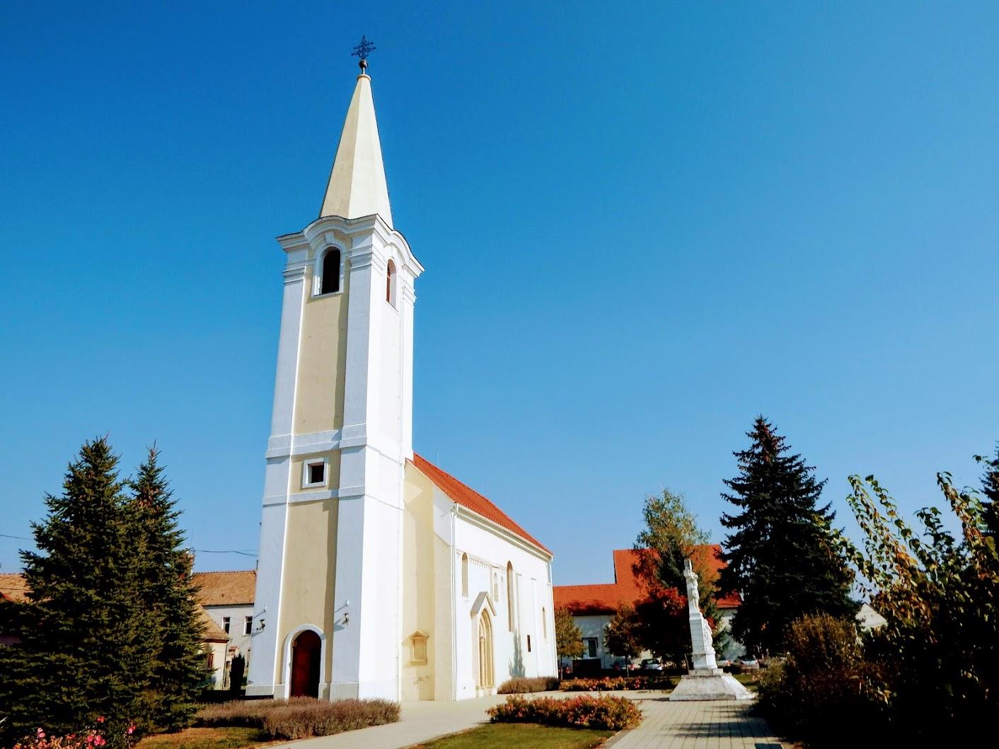 templom templom mellett)