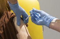 A leggyakoribb rákot okozó HPV-ktől véd az oltás   hu